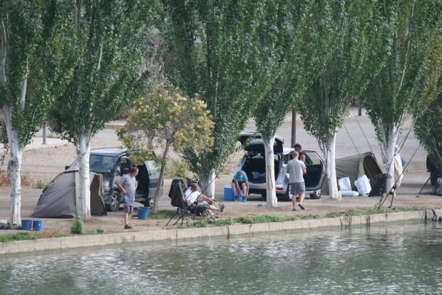 Pescadores en Mequinenza