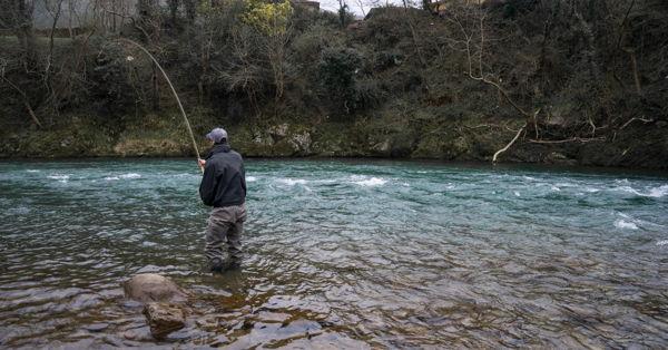 pesca del salmón a mosca